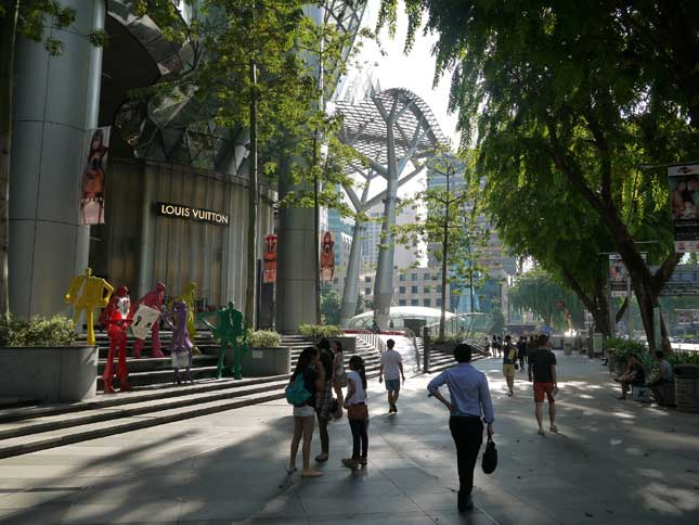 Singapore's Orchard Road (Photo by wikubaskoro)
