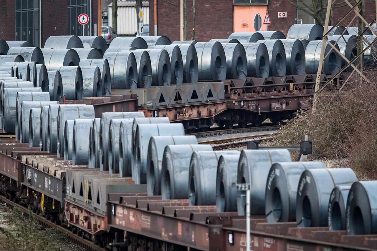 Trump Tweets That Steel And Aluminum Tariffs May Hinge On NAFTA Deal