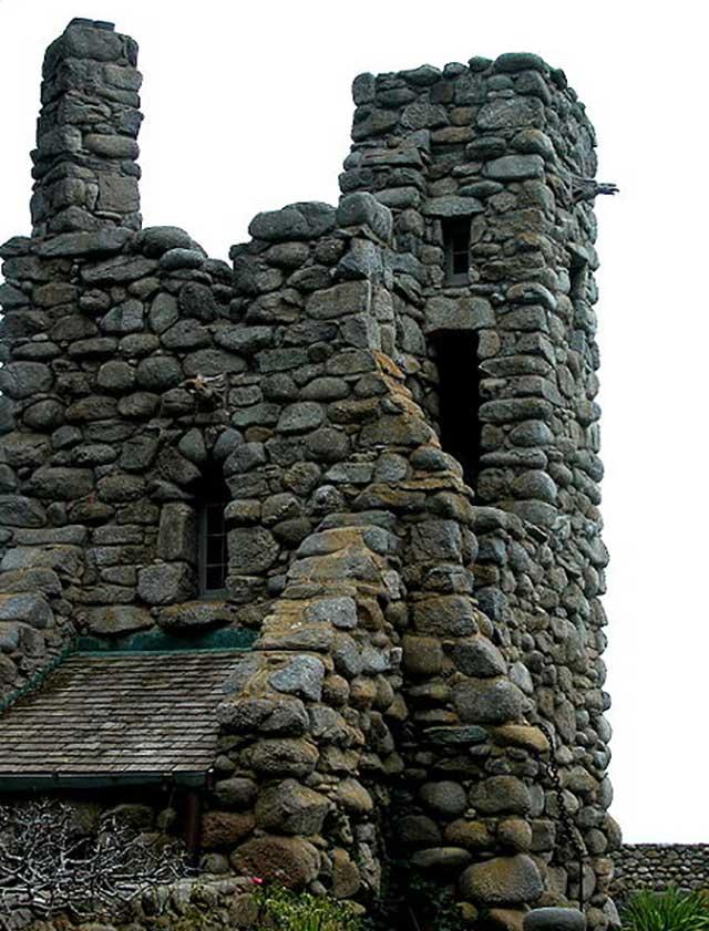 Robinson Jeffers's Hawk Tower, Tor House, Carmel, California (Source: Celeste Davison, English Wikipedia)