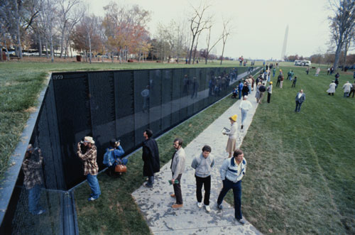 Veterans and the general public have embraced the memorial, despite early controversy. (BETTMANN/CORBIS)