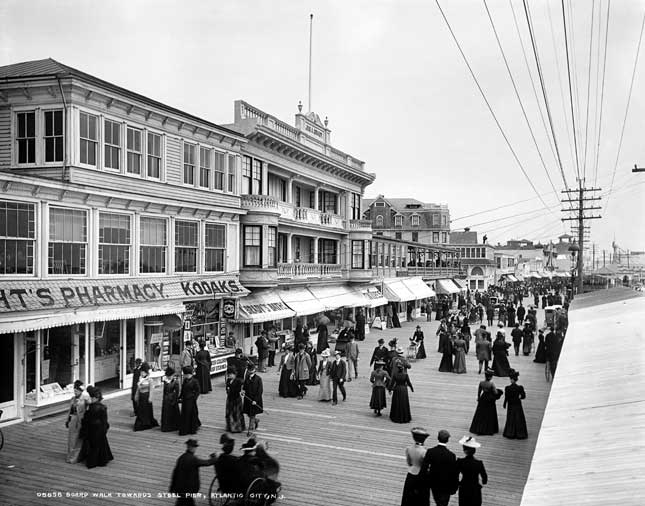 Though Atlantic City was touted as a family resort in its early days, much of its popularity even then stemmed from illegal entertainments such as gambling and prostitution. (GRANGER, NYC — ALL RIGHTS RESERVED)