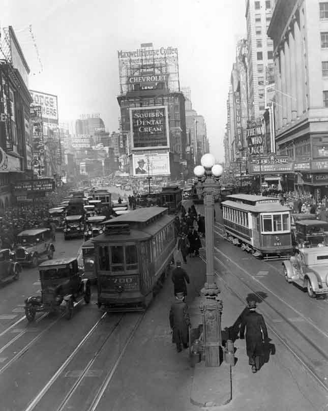 By the early twentieth century, Times Square had become a place to gather for big events and to learn about the latest news. (PHOTOFEST)