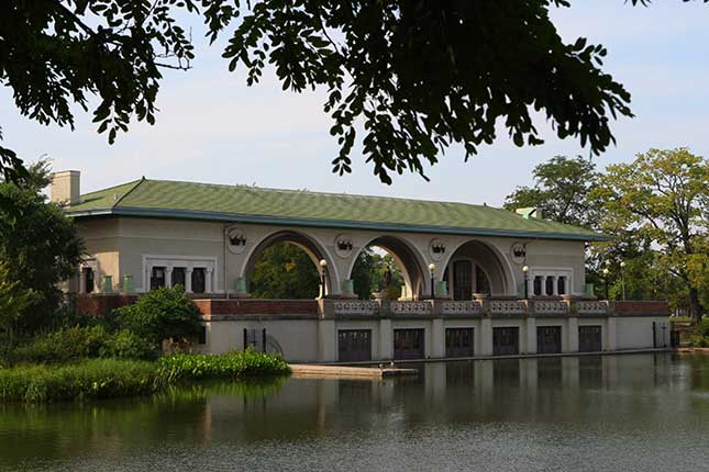 The boathouse in Humboldt Park (ALEX GARCIA/CHICAGO TRIBUNE/MCT VIA GETTY IMAGES)