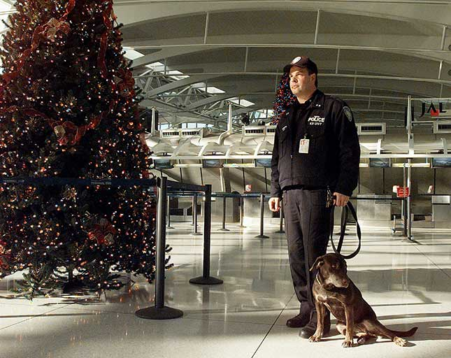 The Port Authority Police Department's 400-page contract contains onerous work rules that interfere with performance and drive up costs, including a stipulation that K-9 officers must get a paid hour each day to play with their dogs. (BILL TURNBULL/NY DAILY NEWS ARCHIVE/GETTY IMAGES)