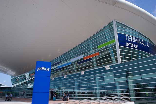 San Juan leased its Luis Muñoz Marín International Airport in 2013 to a private partnership, resulting in dramatic improvements to its facilities and services. (ALFREDO SOSA/THE CHRISTIAN SCIENCE MONITOR/GETTY IMAGES)