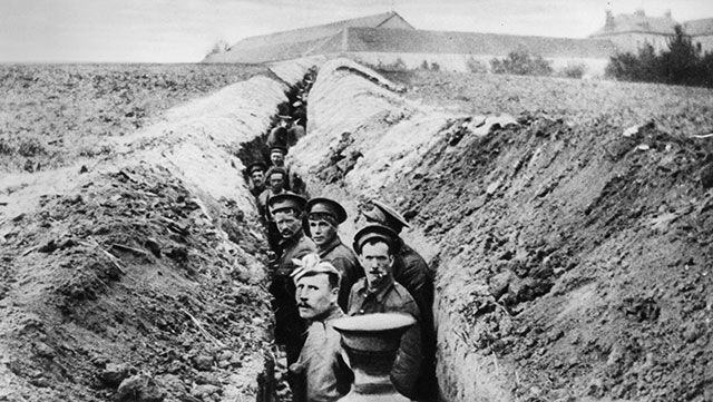British soldiers lined up in a narrow trench during World War I.  (Photo by Hulton Archive/Getty Images)