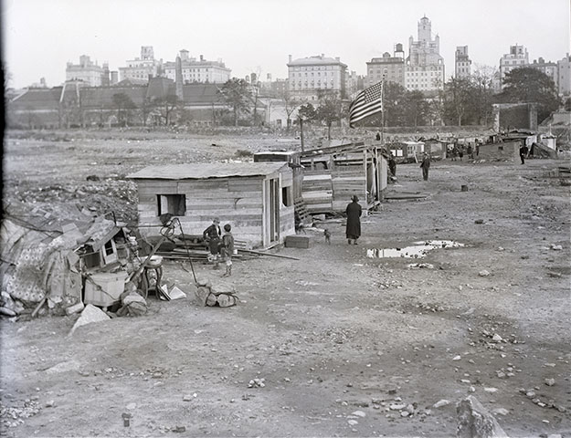 A Central Park scene from the Great Depression years in New York (BETTMANN/GETTY IMAGES)