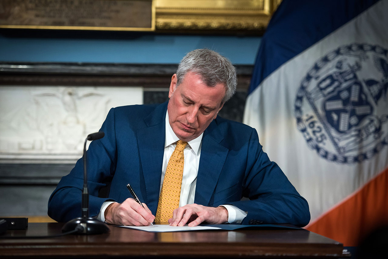 NYC mayor: We'll be first USA  city to mandate paid vacation