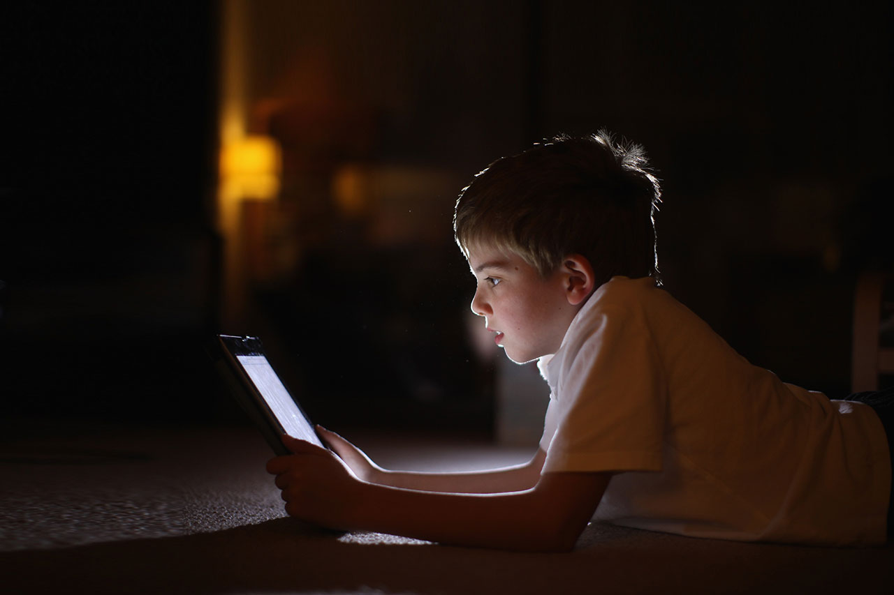 Glow Of Gloom >> Troubling Questions About The Effect Of Technology Devices On
