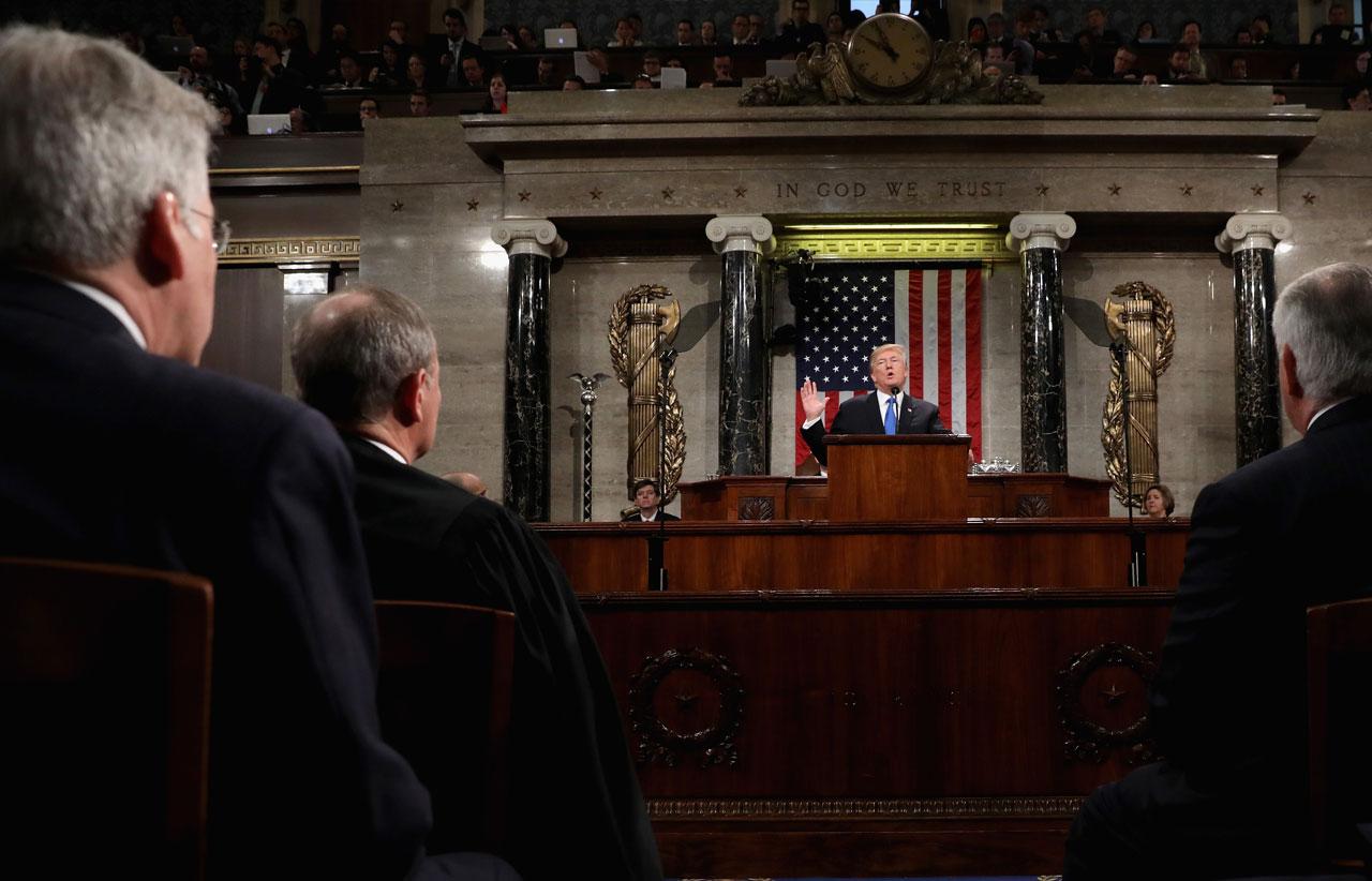 Trump to meet lawmakers over shutdown