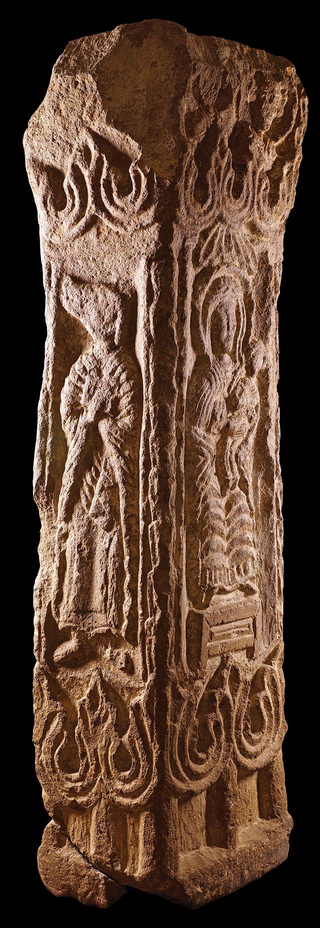 Four-Sided Stela. Monastery of Kharaba (Kharabavank'), southern slope of Aragats, Ashtarak, 4th–5th century. Tuff. 69 11⁄16 × 15 3⁄4 × 15 3⁄4 in. (177 × 40 × 40 cm). History Museum of Armenia, Yerevan (830)