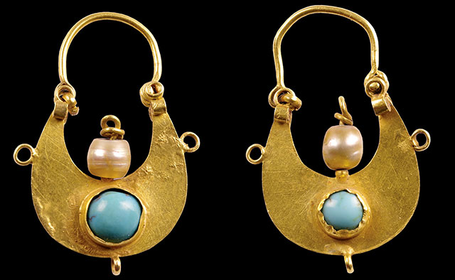 Crescent-Shaped Earrings. Dvin, 11th–12th century. Gold sheet, turquoise, and pearls. 11⁄2 × 11⁄8 in. (3.8 × 2.8 cm). History Museum of Armenia, Yerevan (1429a, b)