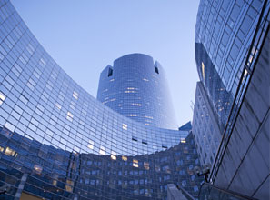 France plans to lure high-end finance jobs to its business district, La Defense.