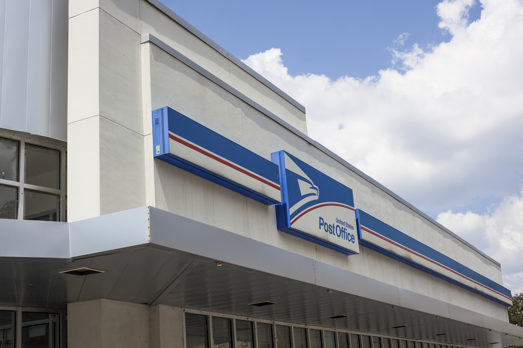 Commentary Building Trust Between >> Americans Trust The Postal Service Economics21